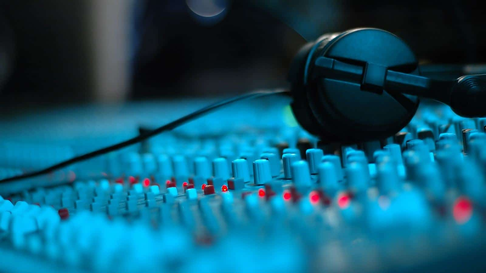 9 Sound Design Tricks To Hack Your Listeners Ears
