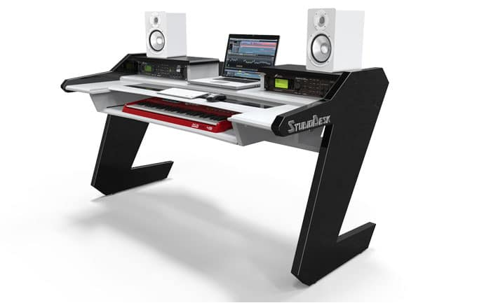 studio-desk